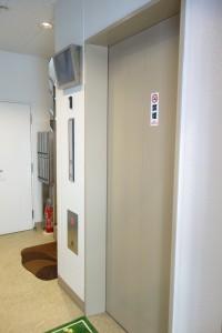 タカナミビル内エレベーター