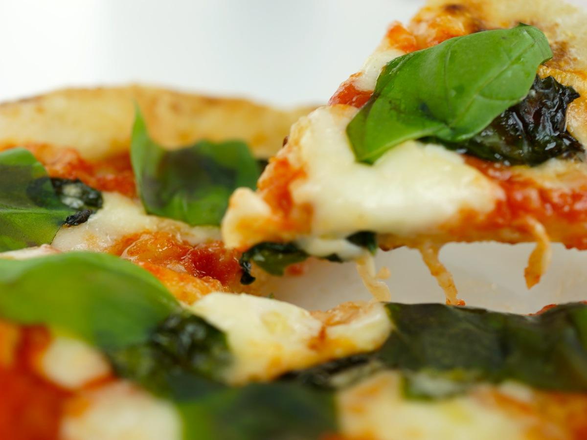 自慢のピザ