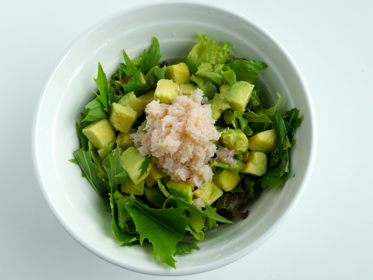 蟹とアボガドのサラダ