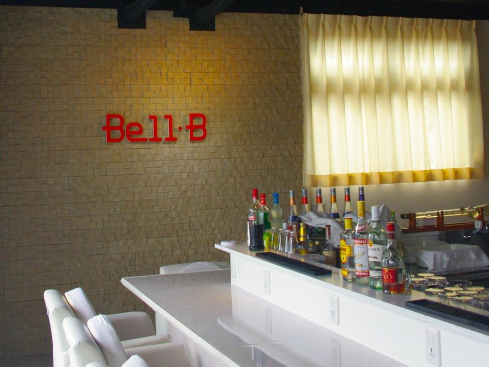 おしゃれな店内のBellBデートをお楽しみください