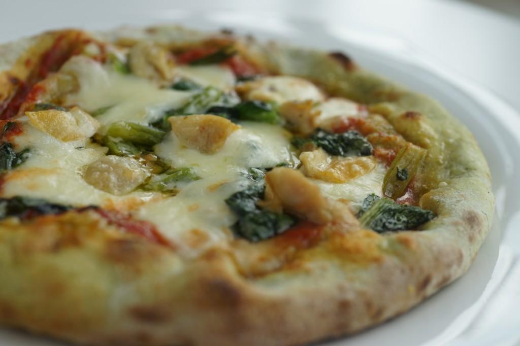 小松菜とホンビノスのピッツァ